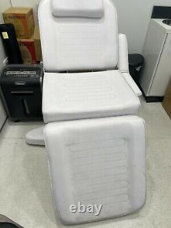 Recliner Chair Massage Adjustable Healthcare Bed Couch Beauty Salon Tattoo
